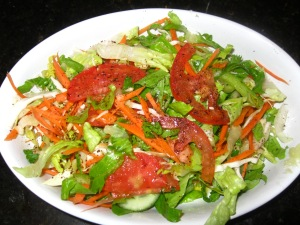 simple salad with lemon and olive oil dressing